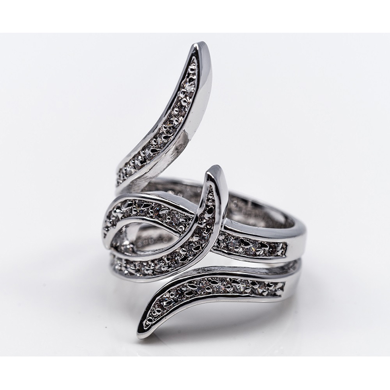 Swirled Band Fashion Ring