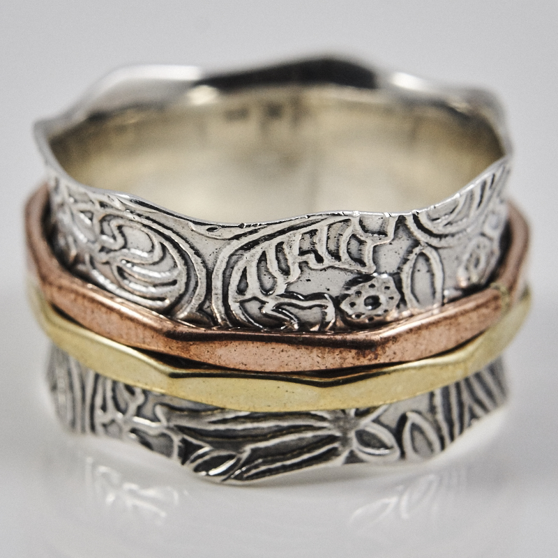 Leaf Pattern Sinner Ring