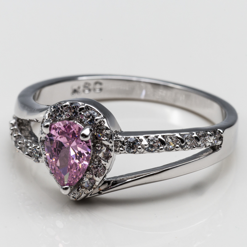 Pink Pear-Shaped Fashion Ring